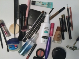 Travel Check-in: The Makeup Routine